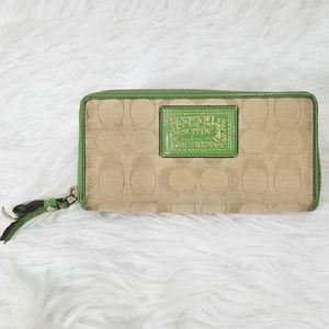 COACH POPPY Green Signature Wallet
